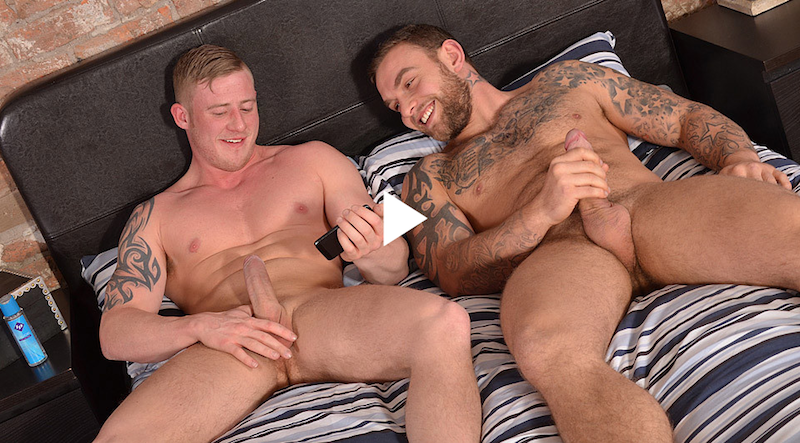 Straight friends Andy Lee and Liam Lawrence wanking together
