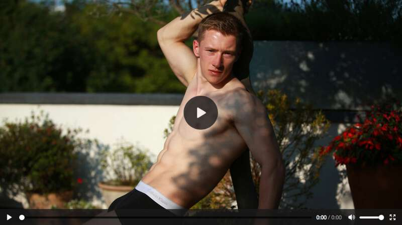 Hung straight guy Tom Wills wanking on video