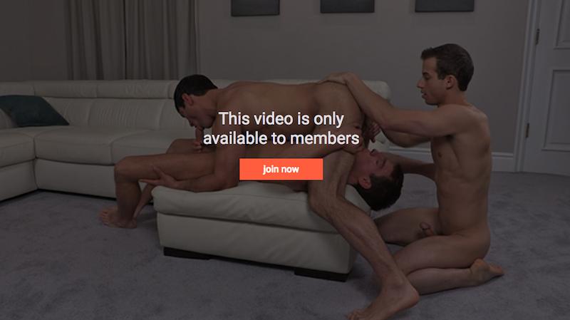 bareback jocks threesome fucking