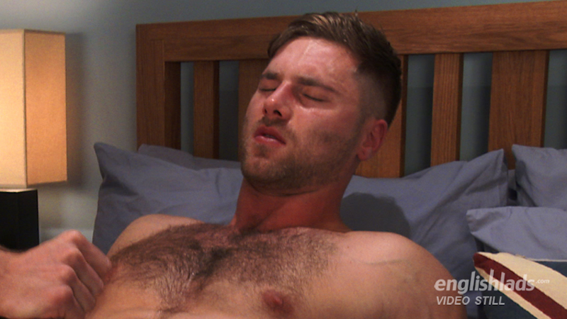 Hairy straight hunk Tom Lawson gets a hand job