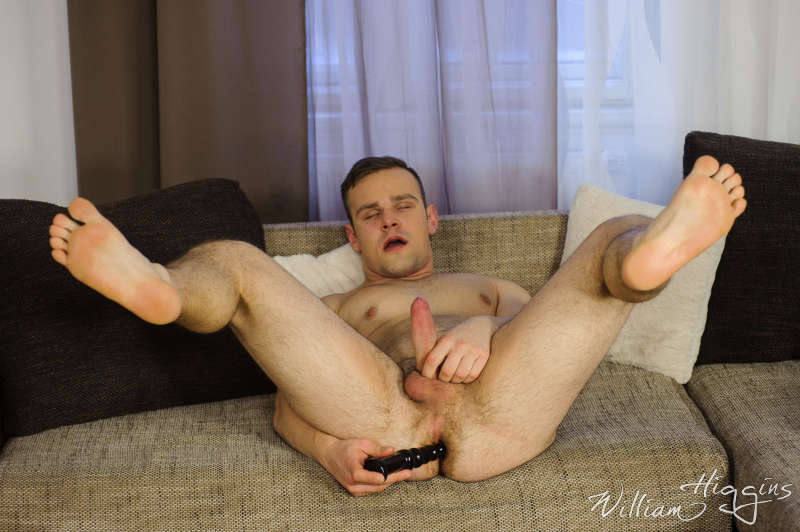 Straight jock Lukas Chlad in gay porn using an anal toy