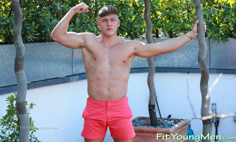 Straight muscle lad Jarvis Knight wanking for Fit Young Men