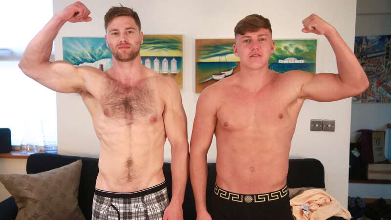 Straight boys Jarvis Knight and Tom Lawson frotting cocks